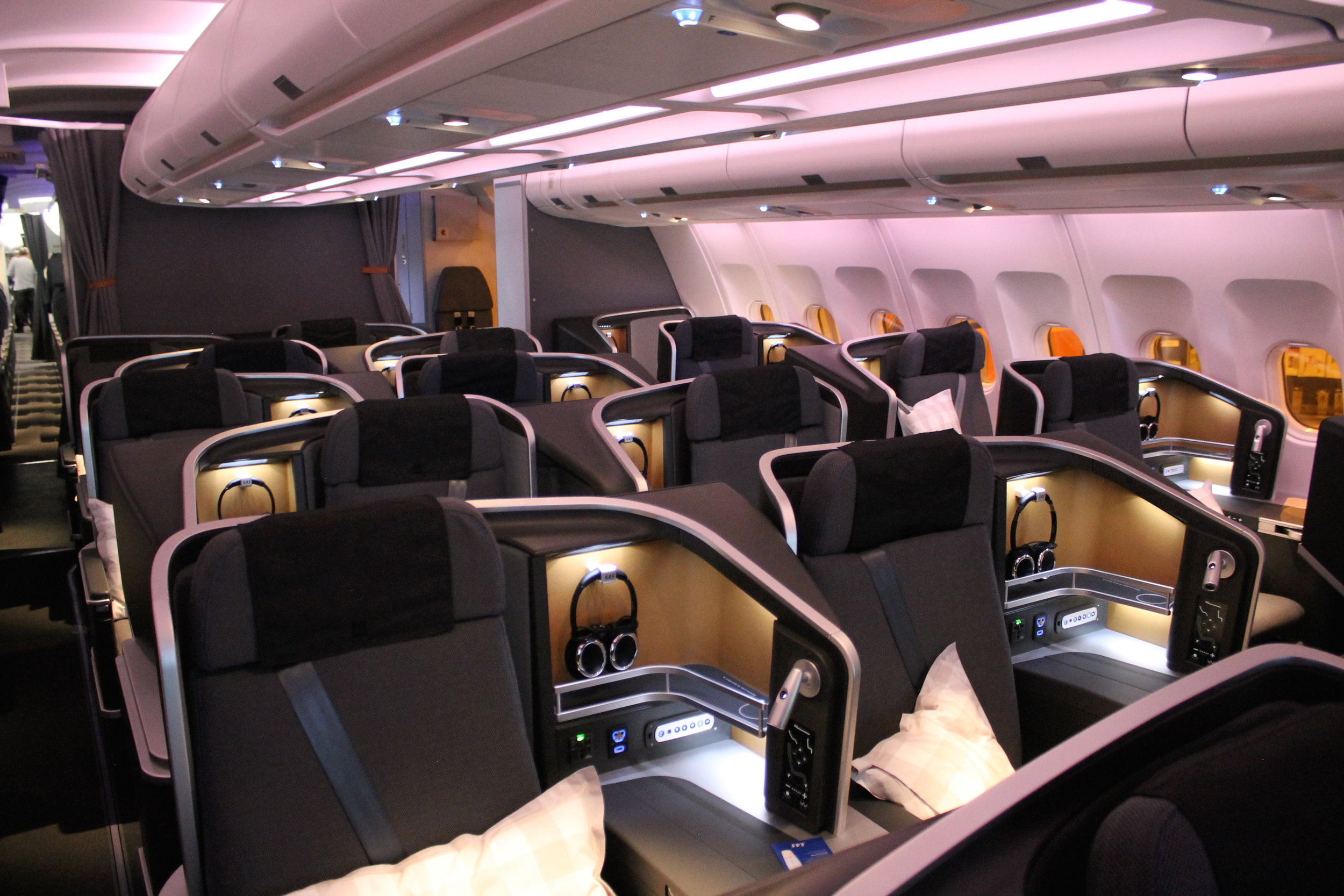 sas-new-business-class-sas-business-02