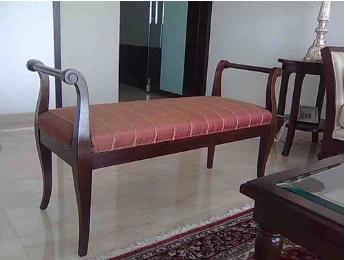 Arjun Chaise -