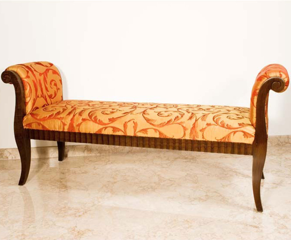 Benches / Chaises / Poufs -