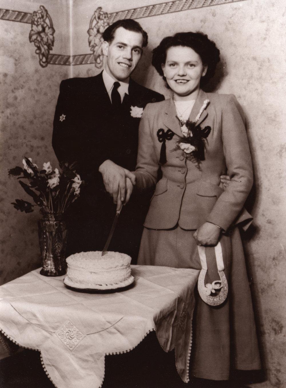 Nanna_Poppa_Wedding_Cake.jpg