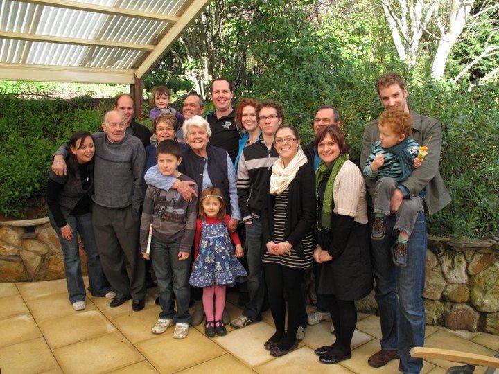 Nannas_80th_Whole_Family.jpg