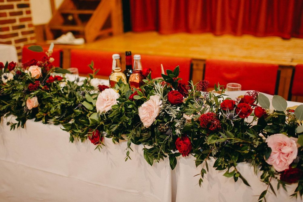 Top table garland winter flowers and roses