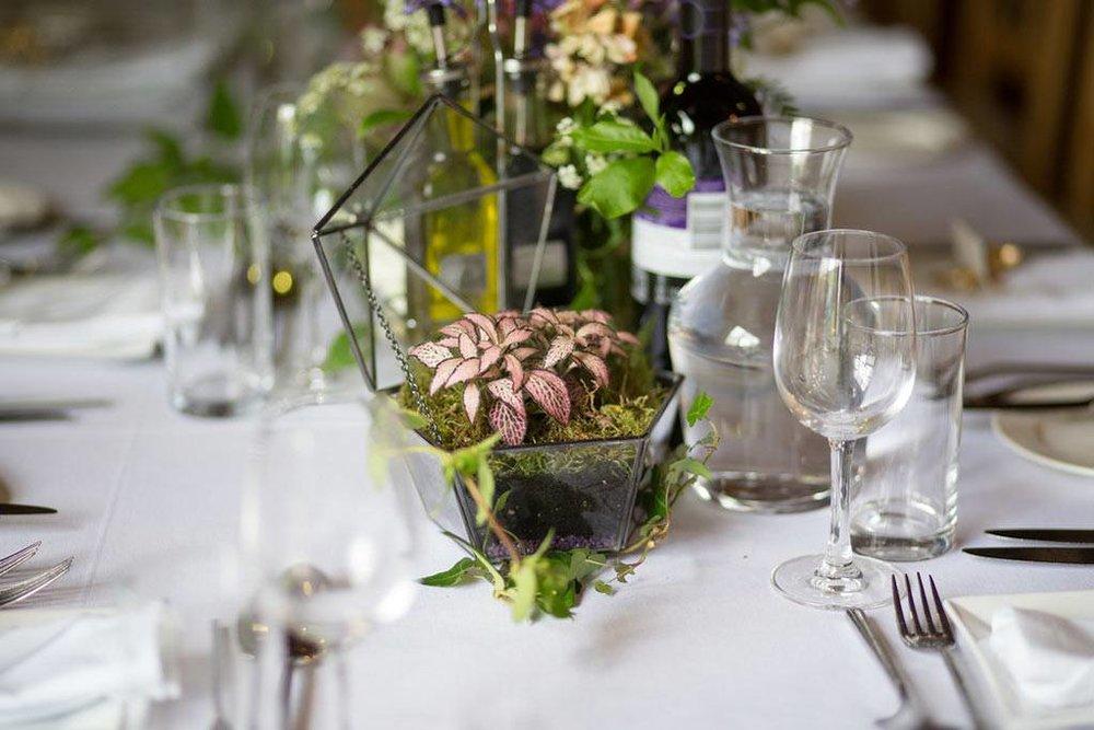 wildflower botanical wedding table