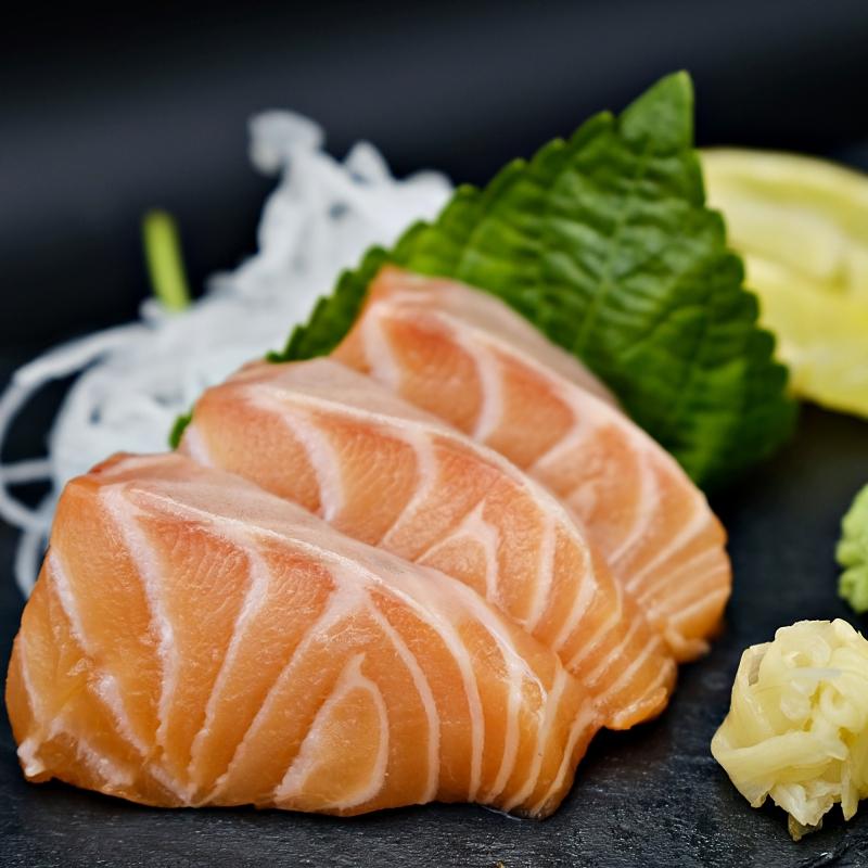 Jshinsen_salmon_sashimi.JPG