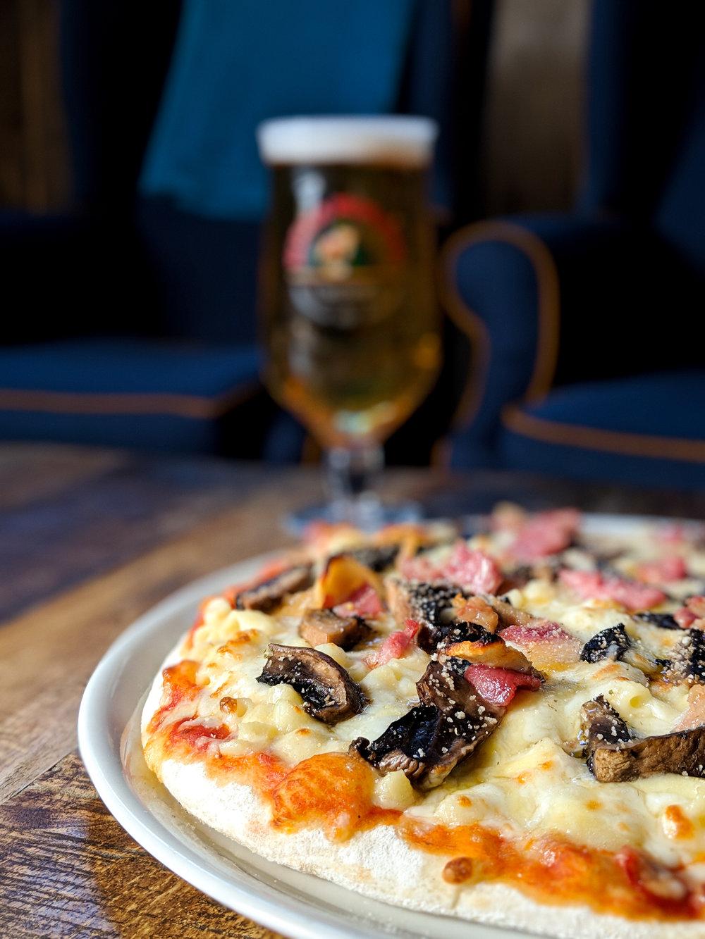 Carbonara Mac Cheese Pizza 2.jpeg