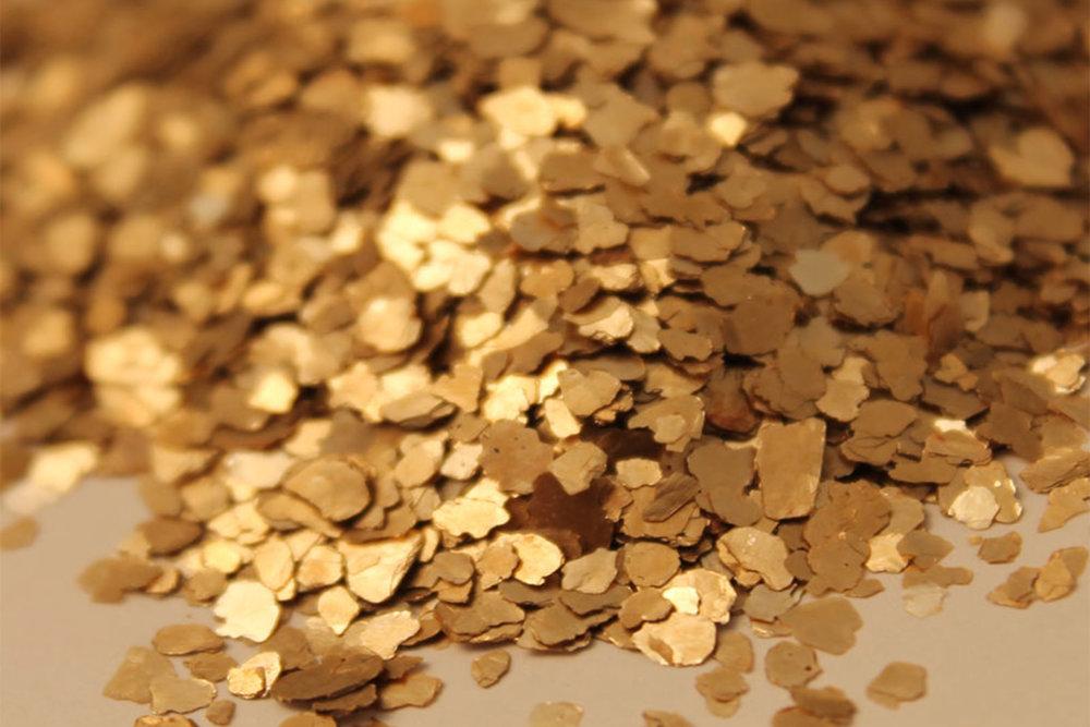 Background-Gold-Flakes-2048-×-1365.jpg