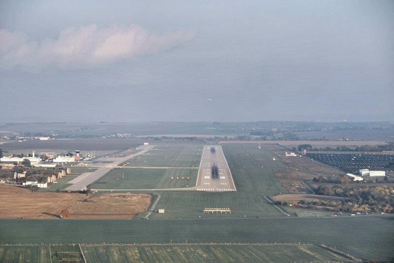 Finále dráhy 09 na letišti Brno-Tuřany. © Adam Jandora