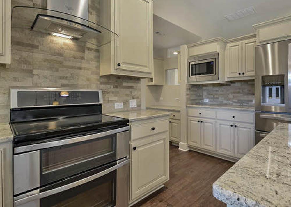 126 Green Valley Dr-Kitchen 6.jpg