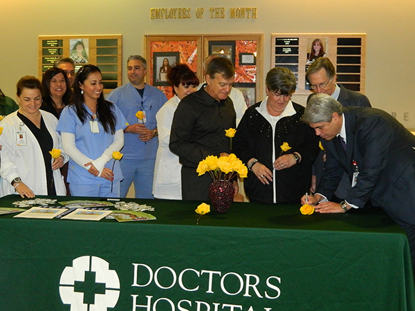 Hospital CEOs dedicated roses on behalf of their staff, whose life-saving contributions make organ donation and transplantation possible.