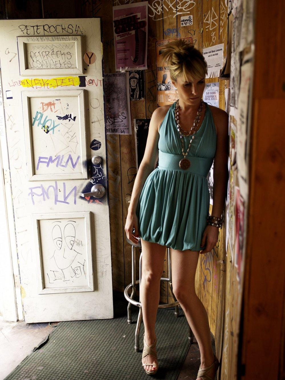 blue+dress.jpg