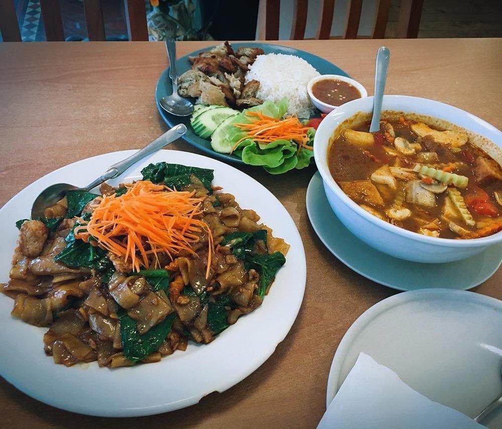 Peace harmony vegetarian thai cuisine - $〰 image by shii_wu