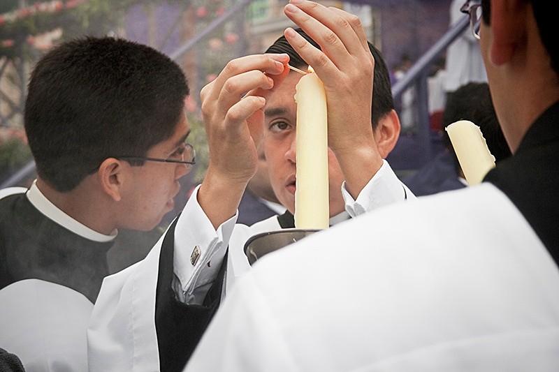 Mass at Dawn, Lima 2008