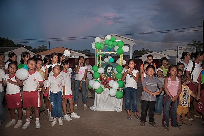 Waiting for Saint John the Baptist, San Juan, Iquitos 2009