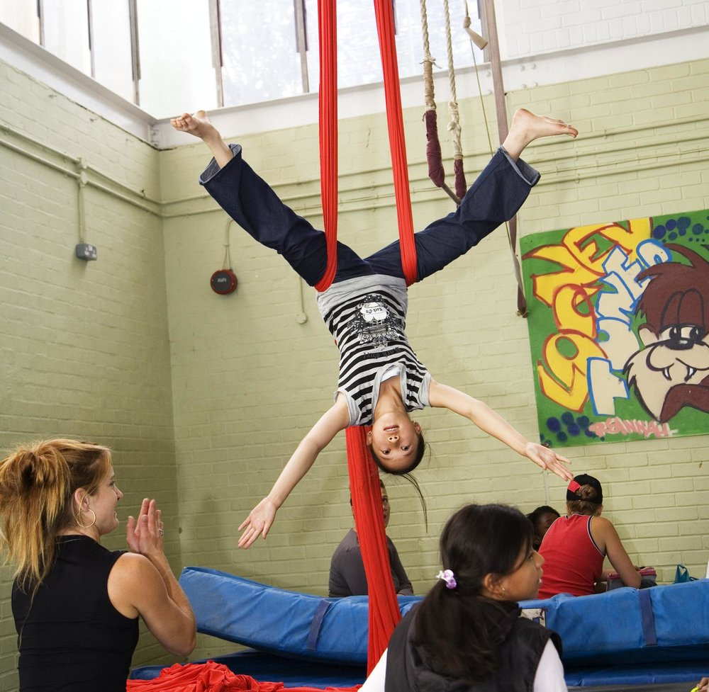 bassline-circus-workshop_12595721435_o.jpg