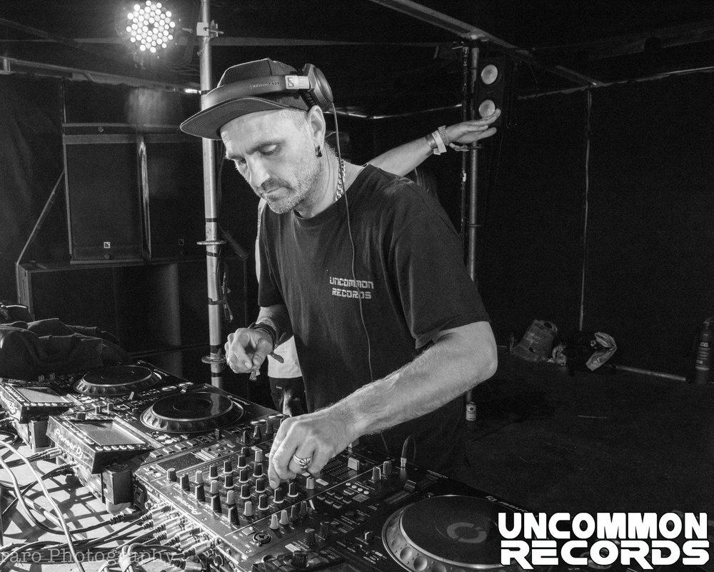 DJ Resist>  Uncommon Records  +  Arcadia + Circolombia