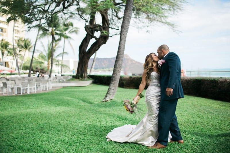 Halekulani-Hawaii-Wedding-Photographer-Carissa-Woo-Photography_0054
