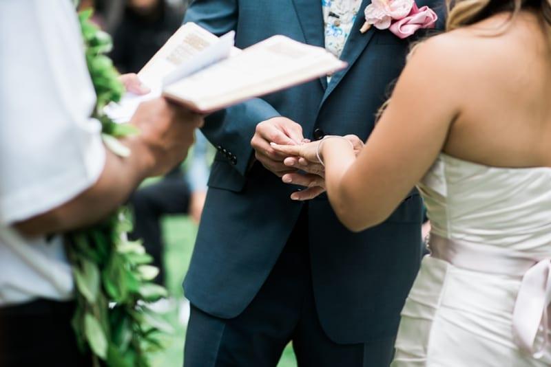 Halekulani-Hawaii-Wedding-Photographer-Carissa-Woo-Photography_0065