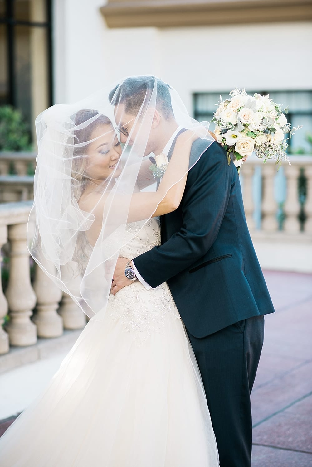waterfront-hilton-huntington-beach-wedding-photographer-carissa-woo-photography_0028