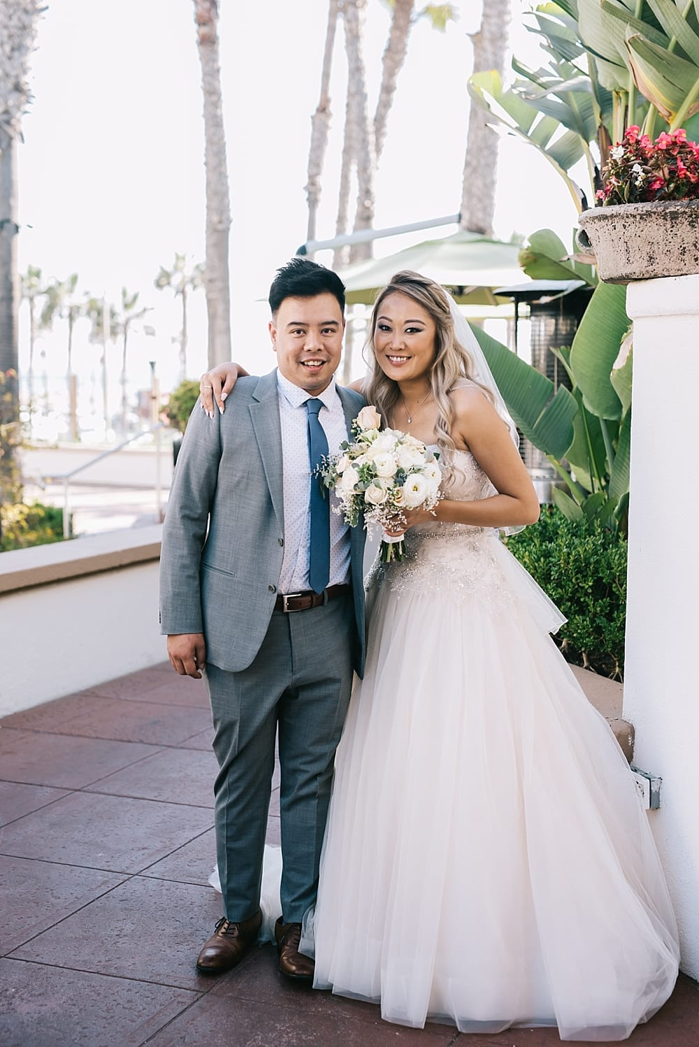 waterfront-hilton-huntington-beach-wedding-photographer-carissa-woo-photography_0091