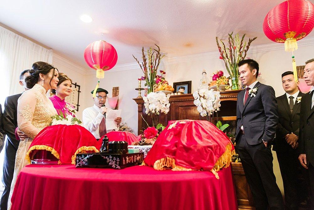 The-Venue-ByThree-Petals-Huntington-Beach-Wedding-Photographer-Christine-Andrew-Carissa-Woo-Photography_0026.jpg
