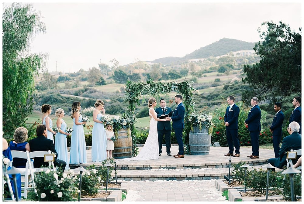 10-ways-to-make-your-wedding-stand-out-Carissa-Woo-Photography_0053.jpg