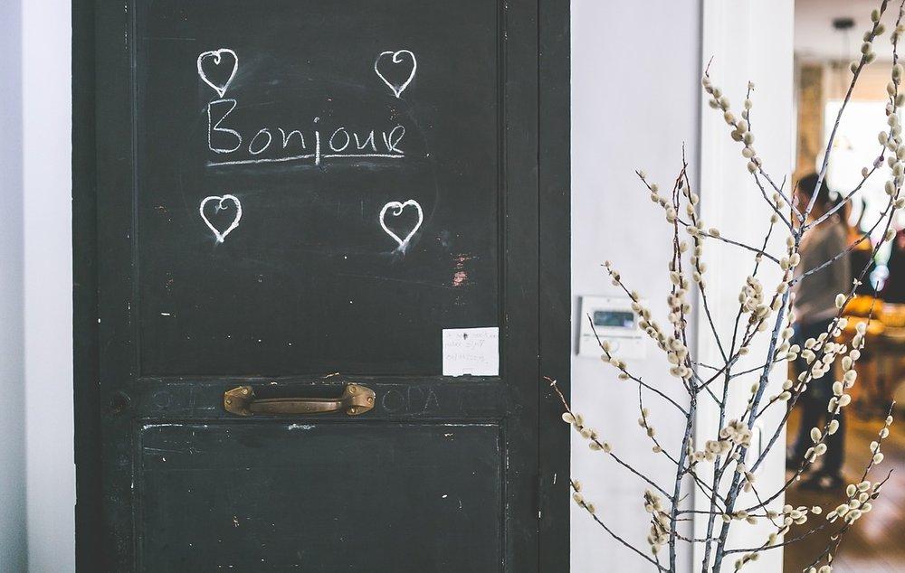 bonjour-869208_1280.jpg