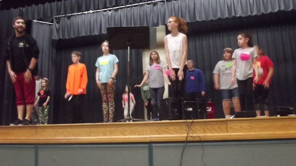 SHREK THE MUSICAL DANCE REHEARSAL