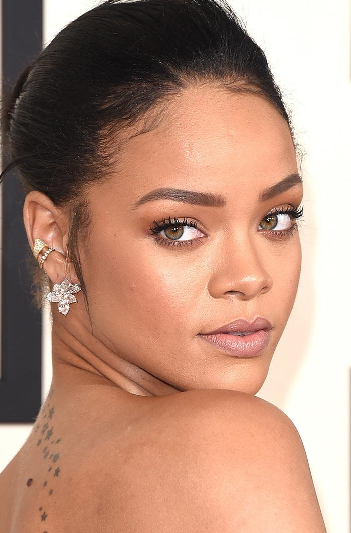 Rihanna-Ear-Cuffs-Grammys