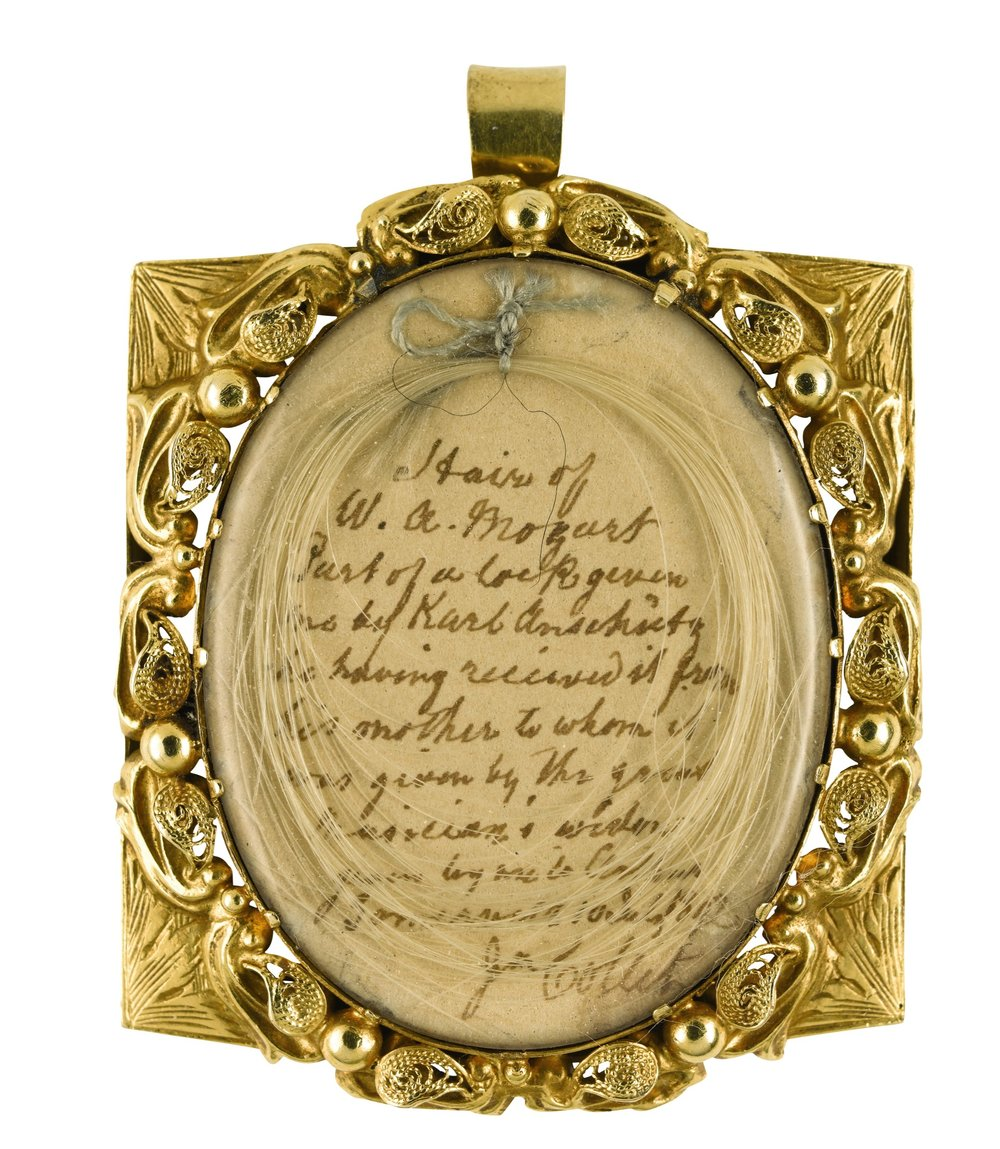 Mozarts-hair-locket.jpg
