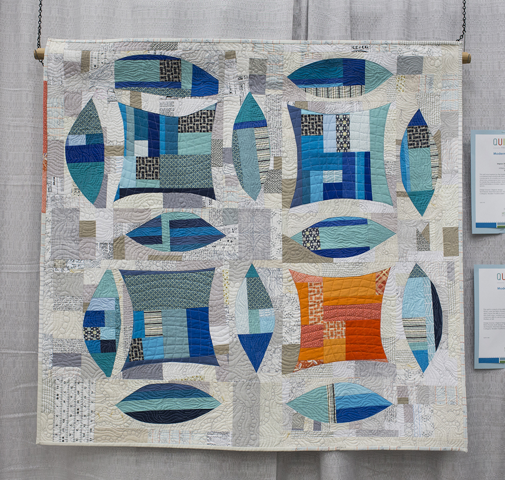 QuiltCon 2015: Improv Double Wedding Ring by Natalie Sabik