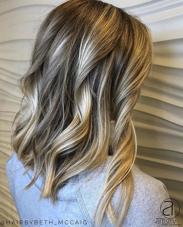 """""""It's amazing what a haircut and some curls will do for you!! Shows off that SHINE ✨✨ and all the different tones hidden in there. 😍💇🏼♀️💇🏽♀️💇🏻♀️💇♀️"""" - @hairbybeth_mccaig"""