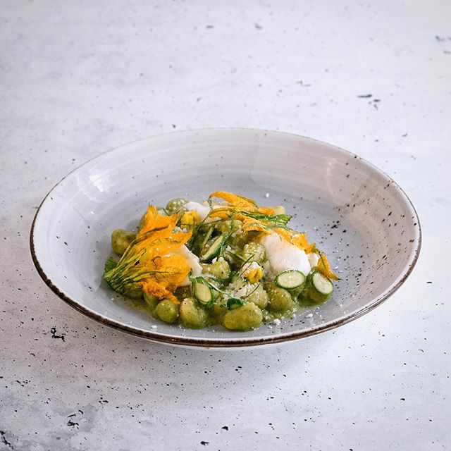 Open for dinners every Friday and Saturday night from 5.30pm. . . . . .#gnocchi  #zucchini  #spring #cinquemonavale #dinner  #sydneycafe #stressfree #northernbeacheslocal #ubereats #monavale