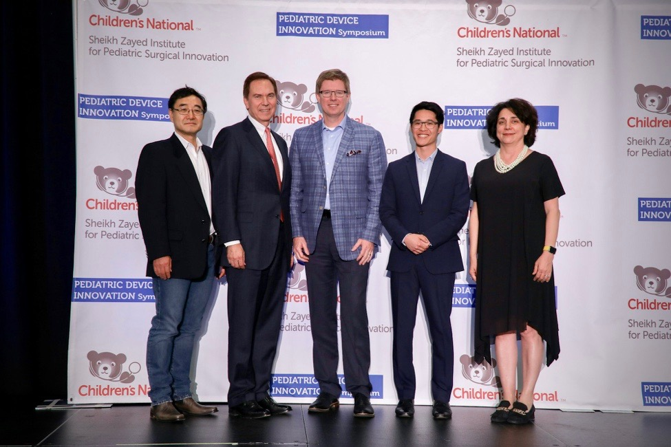 Navi COO  Shing Sheung  (2nd from right) at the 5th Annual Pediatric Device Innovation Symposium.