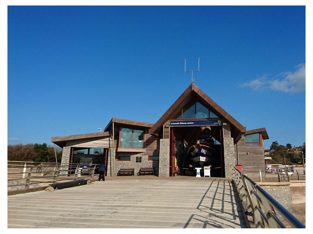 Boathouse pic_2000.JPG