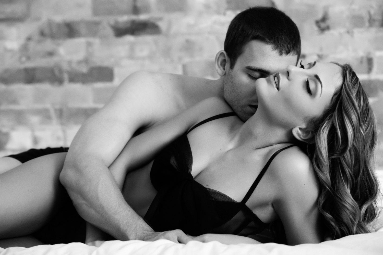 lavish boudoir albuquerque couple copyright Leslie Cersovski
