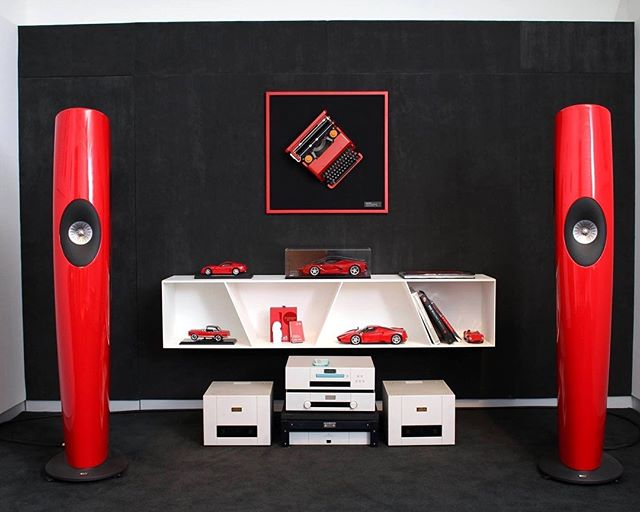 KEF Blade is a spectacularly lush, warm and expansive sound. Effortlessly accurate and as natural, intricate and emotionally authentic as a live performance.If you're passionate about music, we think you will not miss this chance. ⠀ ⠀ Available at Northshore Sounds and Vision, come and experience this audio miracle. ✨✨✨✨