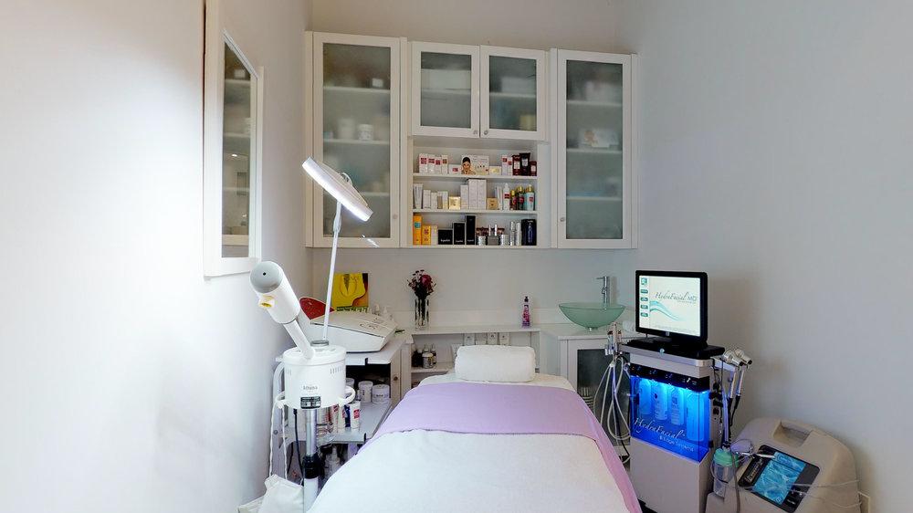 La-Fenice-Salon-Spa-11142018_114538.jpg