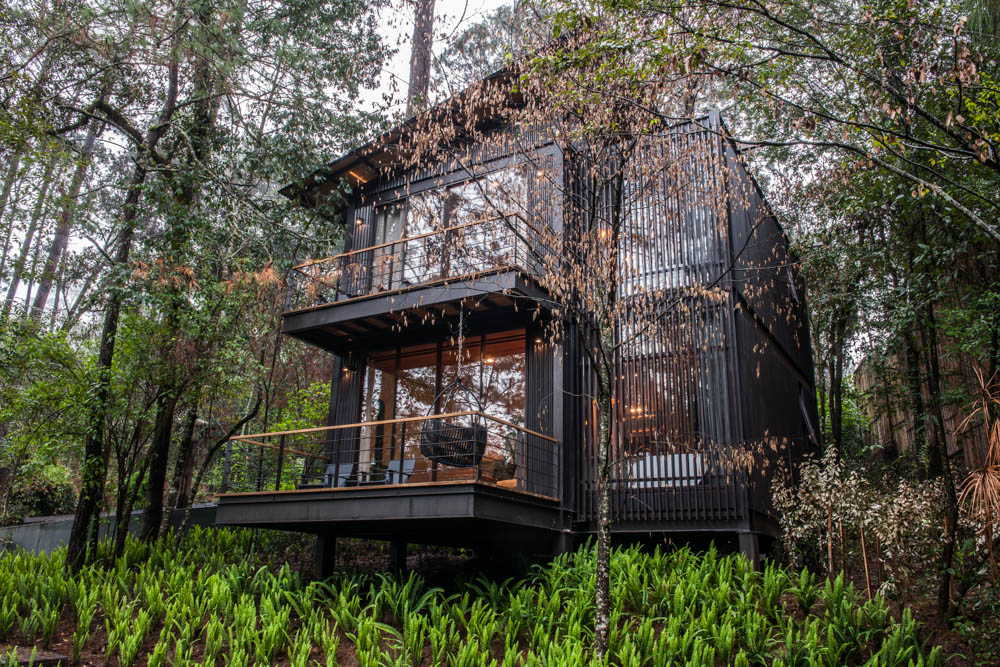 Rest in a tucked away private hillside or forest loft at Hotel Rodavento -