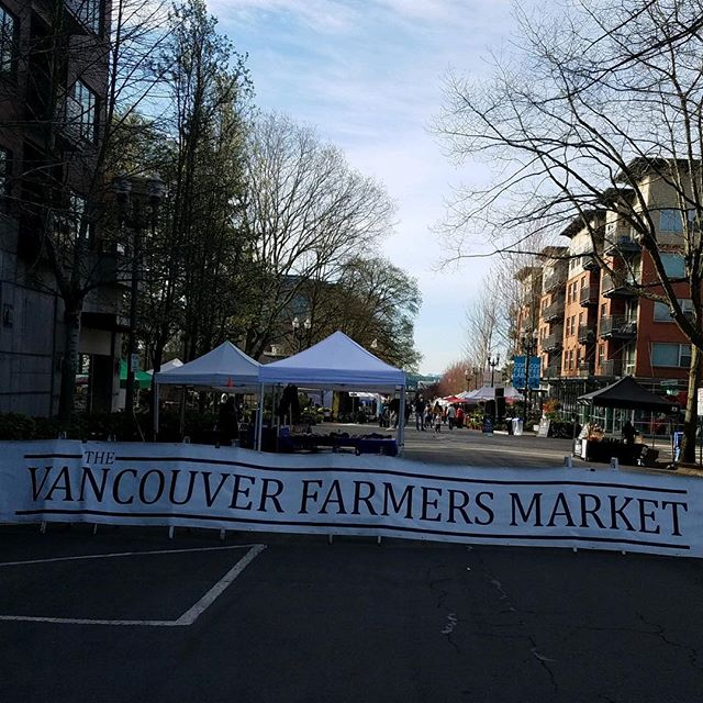 Spring is in the air! That means we will be at the @vancouverfarmersmarket every weekend for the whole summer! Here today until 3. Come say hi to your favorite sauce company in town! #riverwavefoods #farmersmarket #family #summer #spring