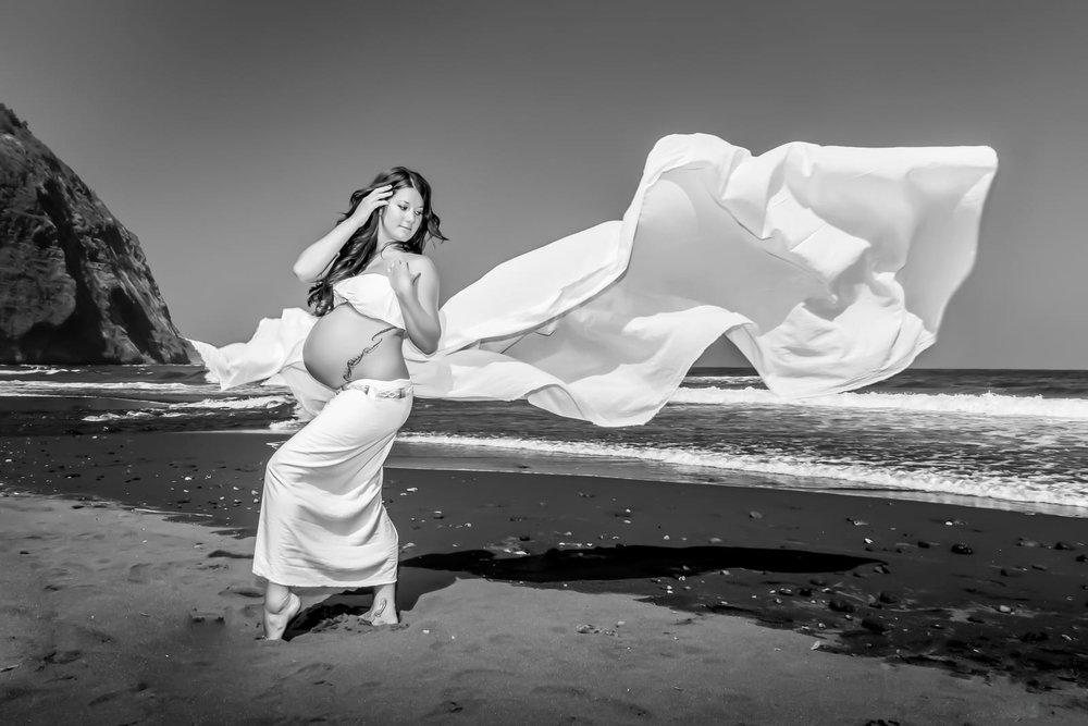 Big-Island-Maternity-Photographer-Adventure-Valley-Hawaii.jpg