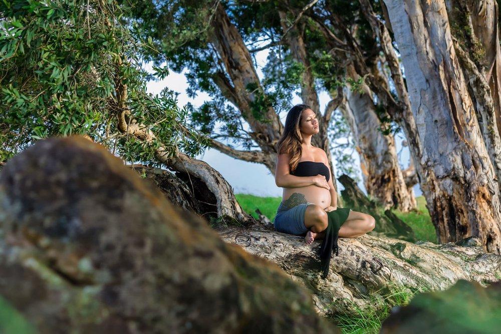 Big-Island-Maternity-Photographer-Luxury-Timeless-Hawaii-6.jpg