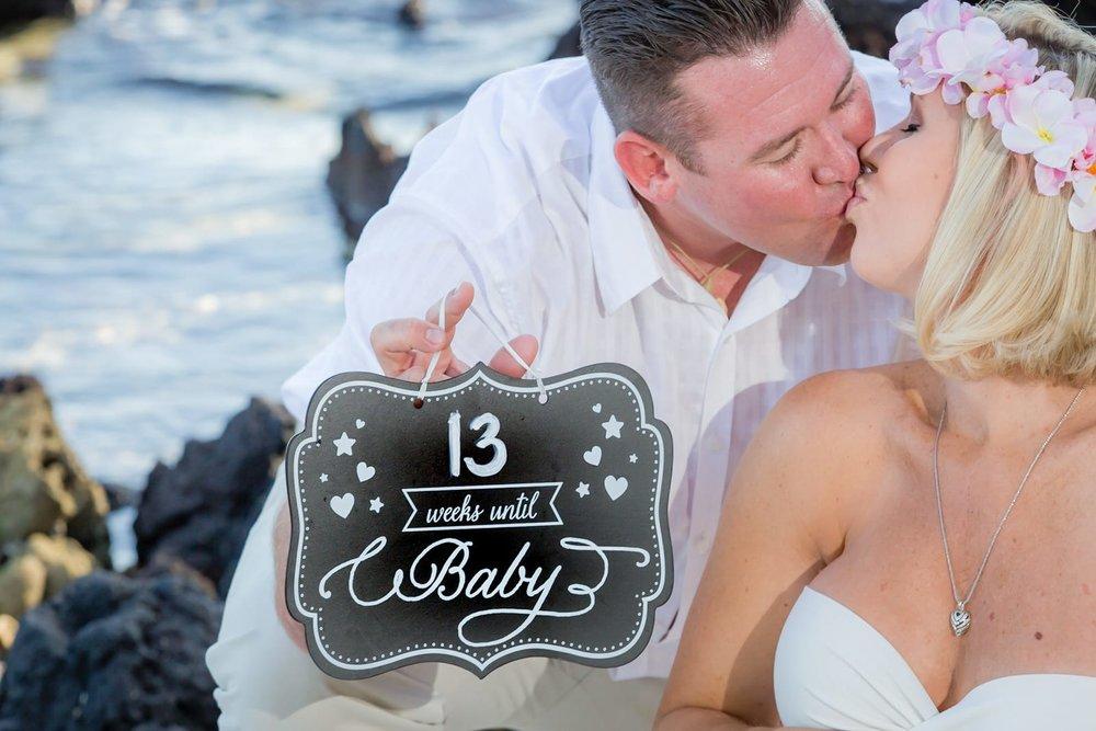 Big-Island-Maternity-Photographer-Luxury-Timeless-Hawaii-11.jpg