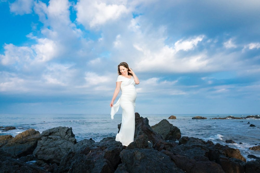Big-Island-Maternity-Photographer-Luxury-Timeless-Hawaii-16.jpg