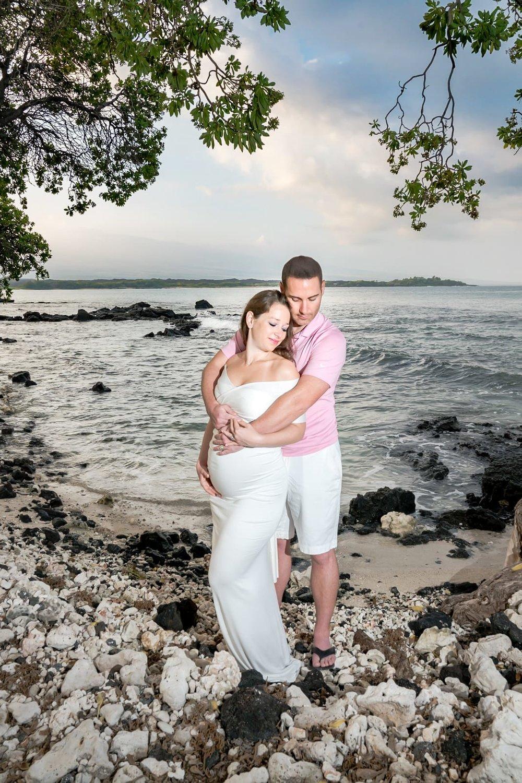 Big-Island-Maternity-Photographer-Luxury-Timeless-Hawaii-15.jpg