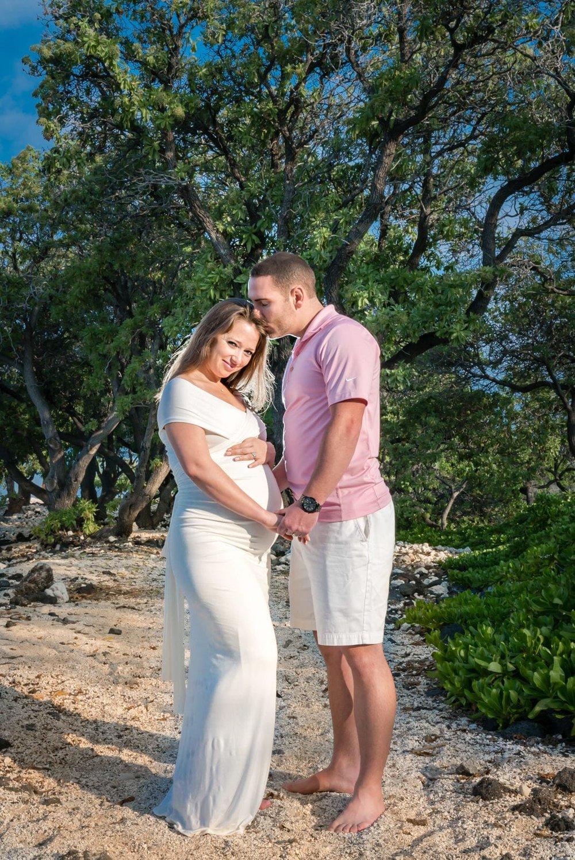 Big-Island-Maternity-Photographer-Luxury-Timeless-Hawaii-18.jpg