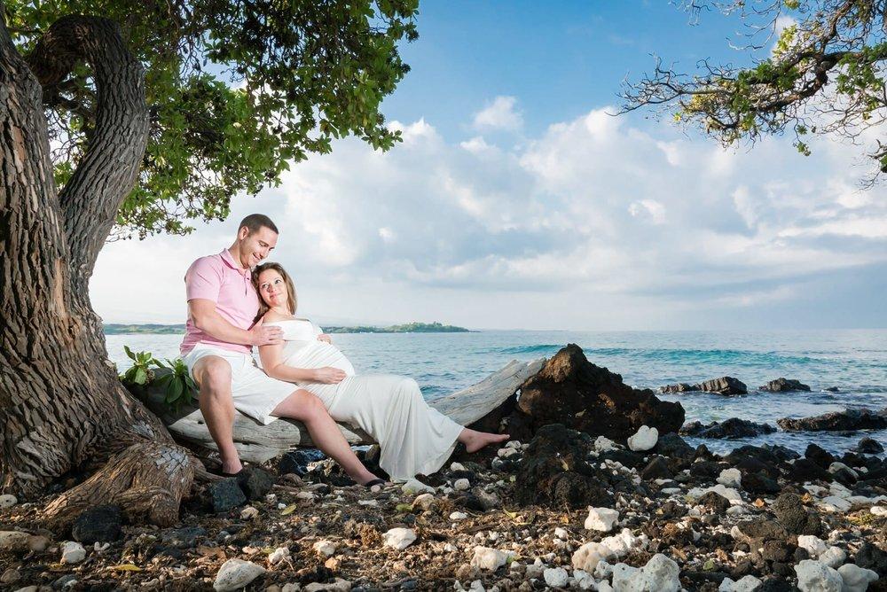 Big-Island-Maternity-Photographer-Oceanside-Hawaii.jpg