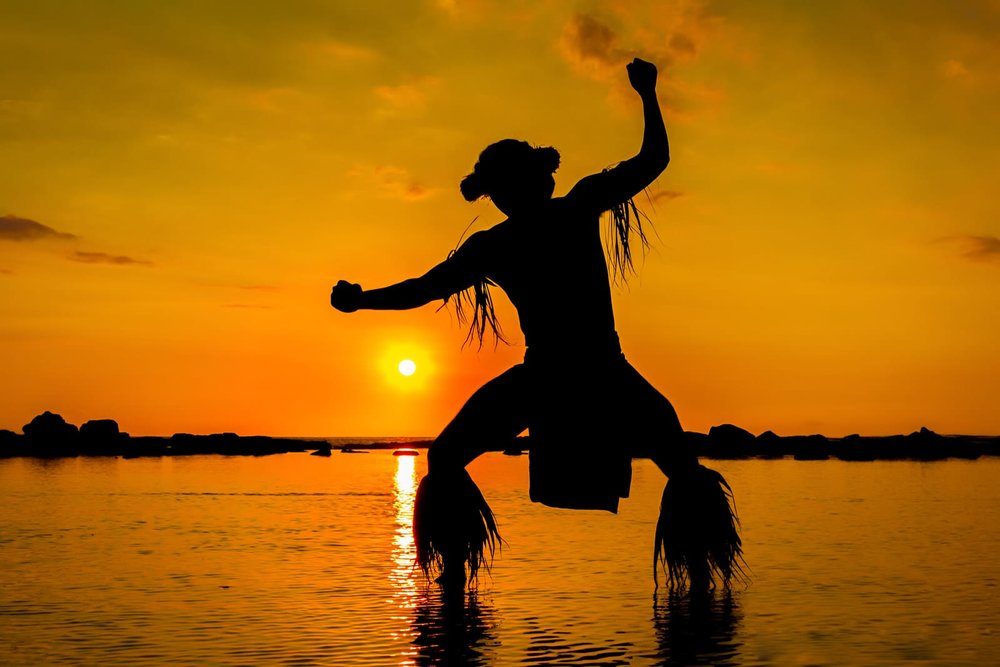 Hawaiian-Island-Kane-Dancer-Sunset.jpg