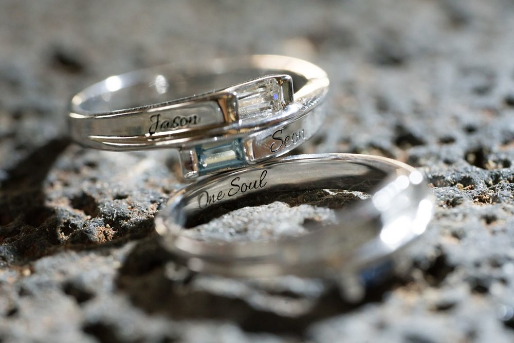 Hawaii-Wedding-Photographer-Ring-Details-Engagement-Ring-Off-camera-flash-macro-14.jpg