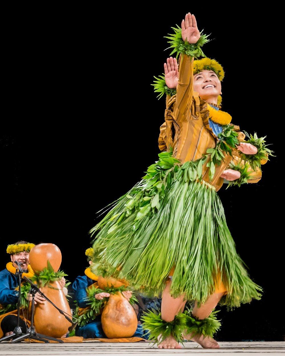 Halau-Manaola-Merrie-Monarch-Hula-Festival-EMotion-Galleries-Ranae-Keane-Photography-Destination-Wedding-Big-Island-Hawaii_014_180406_.jpg