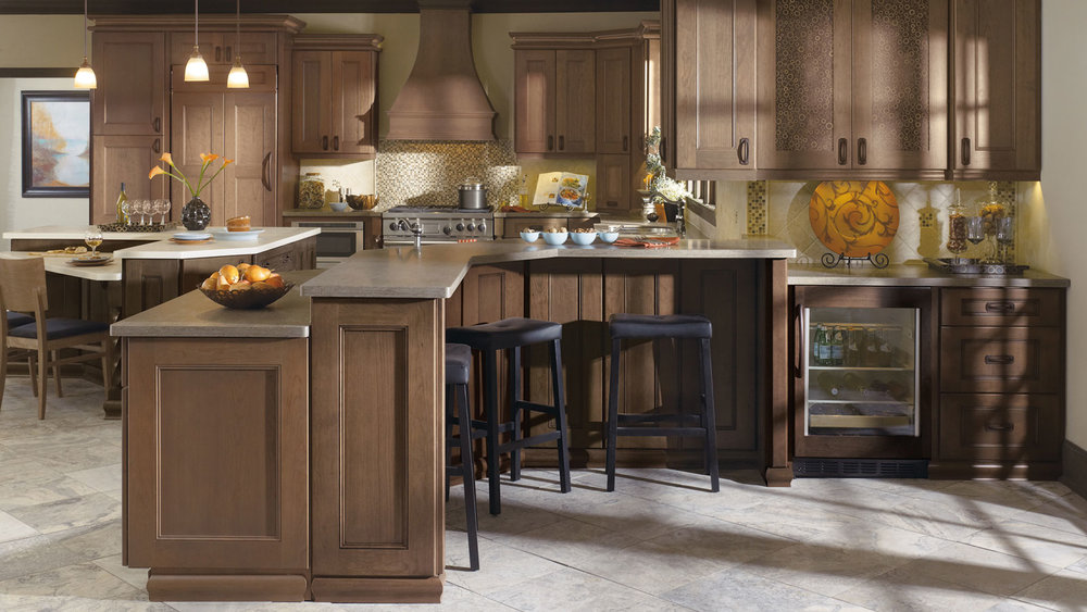 kitchen_with_cherry_cabinets_2_large.jpg